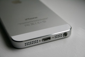 iphone5-lightning-port